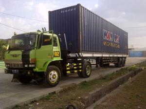 4_kontainer menuju pelabuhan